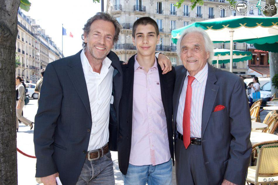 Stéphane Freiss, Ruben et Jacques Freiss lors du déjeuner Père & Fils, mardi 24 juin 2014, aux Deux Magots à Paris.