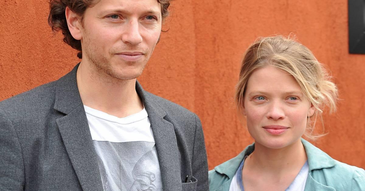 M lanie thierry et son histoire d 39 amour avec rapha l 39 39 on a su r sister 39 39 purepeople - Raphael de casabianca et sa femme ...