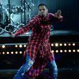 Chris Brown sur la scène des BET Awards au Nokia Theatre de Los Angeles, le 29 juin 2014.