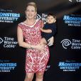 "Melissa Joan Hart et son fils Mason à la première de ""Monsters University World"" à ""El Capitan Theater ""  à Hollywood, le 17 juin 2013."
