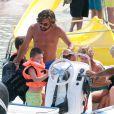 Andrea Pirlo sur une plage à Ibiza avec ses deux enfants Niccolo (10 ans) et Angela (6 ans) le 6 Juillet 2014.