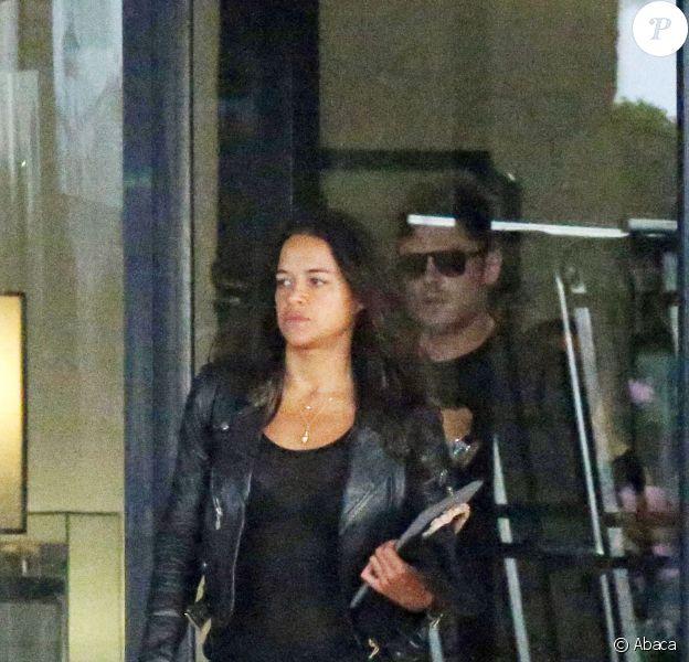 Zac Efron et Michelle Rodriguez à l'aéroport en Sardaigne, le 3 juillet 2014