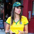 Le top de 33 ans Alessandra Ambrosio, Adriana Lima et leurs amies ont regardé le match Brésil-Allemagne et ont assisté, impuissantes, à la défaite de leur Nation.   8 Juillet 2014 à New York