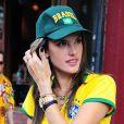 Alessandra Ambrosio, Adriana Lima et leurs amies ont regardé le match Brésil-Allemagne et ont assisté, impuissantes, à la défaite de leur Nation.   8 Juillet 2014 à New York