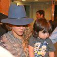 La chanteuse Shakira et son fils Milan arrivent à Rio le 9 juillet 2014.