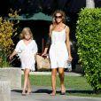 Denise Richards et sa fille Lola dans les rues de Los Angeles, le 10 juillet 2014.