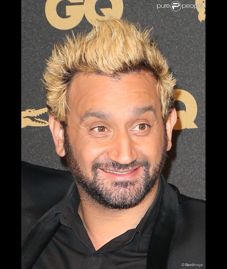 cyril hanouna qui s 39 est fait d colorer les cheveux en blond pour tenir le pari qu 39 il a perdu. Black Bedroom Furniture Sets. Home Design Ideas