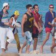Michelle Rodriguez et Zac Efron sont avec des amis en vacances à Ibiza, le 2 août 2014.