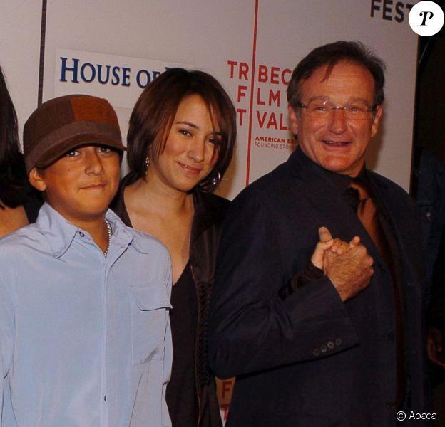 Robin Williams, avec sa fille Zelda, sa deuxième femme Marsha, son fils Cody, lors du festival de Tribeca en 2004