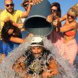 Nikos Aliagas, défié au Ice Bucket Challenge, accepte le challenge.