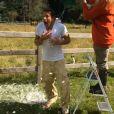 Benjamin Castaldi, défié au Ice Bucket Challenge, accepte le challenge.