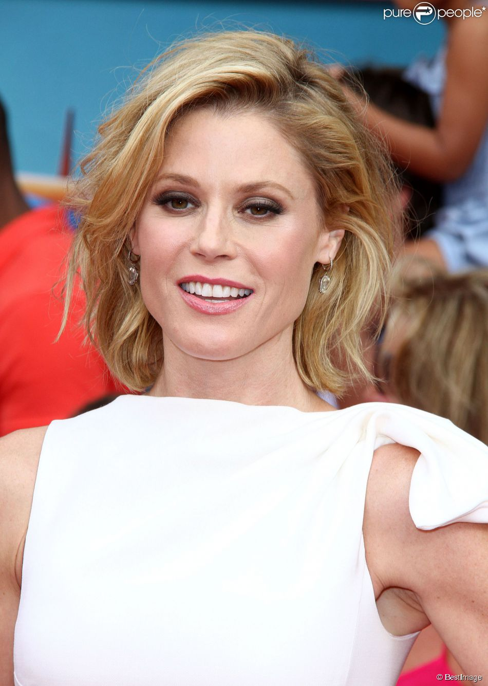 bowen divorced singles Julie bowen can now move on with her new life as a single woman the modern family star finalized her divorce with ex-husband scott phillips after the two sides agreed to split their assets.