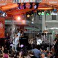 Maroon 5 sur scène au Rockefeller Center pour l'émission Today. New York, le 1er septembre 2014.