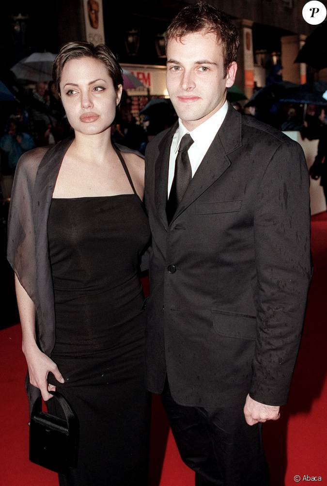 angelina jolie and jonny lee miller relationship advice