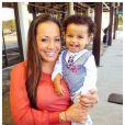 La compagne et le fils de Jonathan Dwyer, photo issue de son compte Twitter et publiée le 14 février 2014