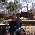 Jonathan Dwyer, sa compagne et leur petit garçon, photo issue de son compte Twitter et publiée le 20 mars 2014