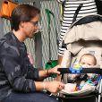 Jay Rutland et sa fillette Sophia à Paris le 20 septembre 2014