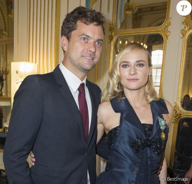 Diane Kruger et son compagnon Joshua Jackson - Remise de la médaille des Arts et des Lettres à Diane Kruger au ministère de la Culture à Paris le 22 septembre 2014.