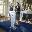 Diane Kruger et Fleur Pellerin - Remise de la médaille des Arts et des Lettres à Diane Kruger au ministère de la Culture à Paris le 22 septembre 2014.