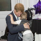 Prince Harry : Idole des jeunes, il en a vraiment sous la semelle !