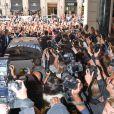"""""""Une foule impressionnante à l'arrivée Kanye West et Kim Kardashian arrivent au Grand Hôtel de Paris, pour le défilé Balmain printemps-été 2014. Paris, le 25 septembre 2014."""""""