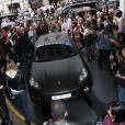 Une foule impressionnante à l'arrivée Kanye West et Kim Kardashian arrivent au Grand Hôtel de Paris, pour le défilé Balmain printemps-été 2014. Paris, le 25 septembre 2014.