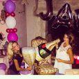 Jade Foret et sa soeur Cassandra (15 ans). La belle a célébré son 24e anniversaire entourée des siens, le 26 spetembre 2014.