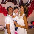 Jade Foret, avec Arnaud Lagardère et leur fille aînée Liva, a célébré son 24e anniversaire entourée des siens, le 26 spetembre 2014.