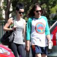 Exclusif - Krysten Ritter dans les rues de West Hollywood avec son compagnon Adam Granduciel, le 30 septembre 2014.