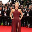 """Blake Lively lors de la montée des marches du film """"Grace de Monaco"""" pour l'ouverture du 67 ème Festival du film de Cannes le 14 mai 2014"""