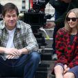 """Amanda Seyfried et Mark Wahlberg sur le tournage de """"Ted 2"""" à New York, le 7 octobre 2014"""