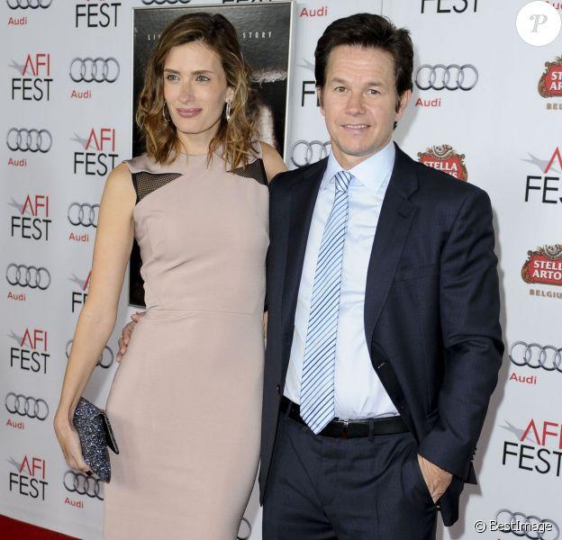 Mark Wahlberg et sa femme Rhea Durham à Los Angeles, le 12 novembre 2013.