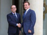 Arnold Schwarzenegger à Paris : Poignée de main virile avec François Hollande