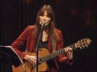 Carla Bruni : Ses enfants, sa mère et sa tournée, la chanteuse dit tout...