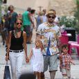 Nicole Richie, Joel Madden et leurs enfants Harlow et Sparrow se promènent dans les rues de Saint-Tropez, le 22 juillet 2013.