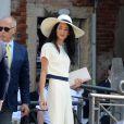 George Clooney et sa femme Amal Alamuddin arrivent au palais de Ca Farsetti à Venise, le 29 septembre 2014 pour leur mariage civil à la mairie.