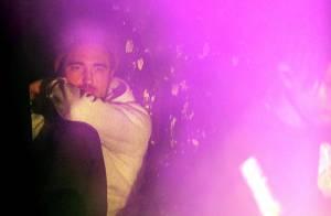 Robert Pattinson in love : Regards amoureux, captivé par sa chérie FKA Twigs