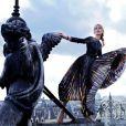 Exclusif : Tonya Kizinger pose pour le magazine Gala sur le toit du théâtre du Châtelet le 19 octobre 2014. Robe longue plissée Givenchy, montre Baume & Mercier, Promess  Diammants. Merci au théâtre du Chatelet !