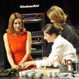 """Carole Bouquet et Julie Andrieu - Salon le """"Paris des chefs"""", le 23 janvier 2012 à Paris."""