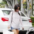 Rachel Bilson, enceinte, fait du shopping à Los Angeles, le 15 juillet 2014.