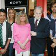 Exclusif - Jean-Jacques Debout, Chantal Goya et ses petits enfants Sanjay, Samantha et Alexandre - Jean-Jacques Debout reçoit 2 Disques d'Or à Paris le 19 juin 2014.