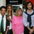 Exclusif - Chantal Goya et ses petits enfants Sanjay, Samantha et Alexandre - Jean-Jacques Debout reçoit 2 Disques d'Or chez Sony à Paris le 19 juin 2014.