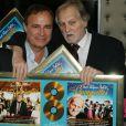 Exclusif - Fabien Lecoeuvre et Jean-Jacques Debout - Jean-Jacques Debout reçoit 2 Disques d'Or chez Sony à Paris le 19 juin 2014.