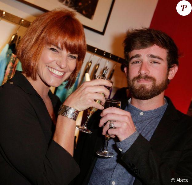 Fauve Hautot et son compagnon Jules à l'inauguration du pop up store Charriol au sein de la boutique Nathalie Garçon dans le 2e arrondissement de Paris, le 28 avril 2014.