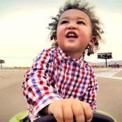 Chloé Mortaud : ''Surexcité'', son petit Matis joue au pilote comme papa
