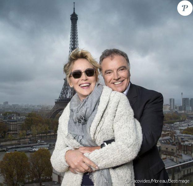 Sharon Stone collabore avec Alain Afflelou ! Photo prise sur la terasse du 7 eme étage du magnifique hôtel Shangri-La à Paris.