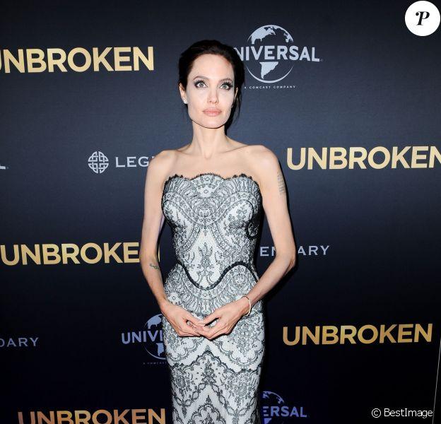 """Angelina Jolie (en Gucci) - Première du film """"Unbroken"""" (Invincible) à Sydney en Australie le 17 novembre 2014."""