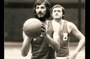 Mort d'Alain Gilles: Bouleversé, Tony Parker rend hommage à la légende du basket