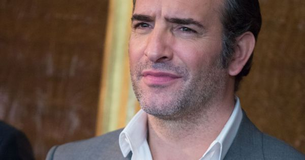 Jean dujardin tout sourire au toronto international film for Enfants de jean dujardin