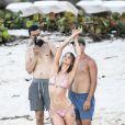 Exclusif - Behati Prinsloo en plein shooting pour Victoria's Secret à Saint-Barthélemy. Le 11 novembre 2014.